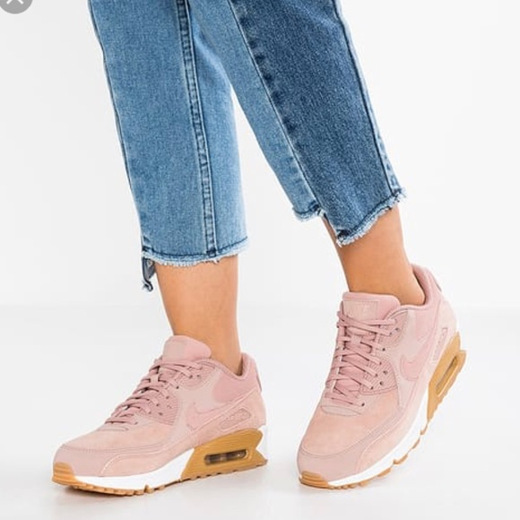 NWT Nike Air Max 90 SE Particle Pink WMNS NWT